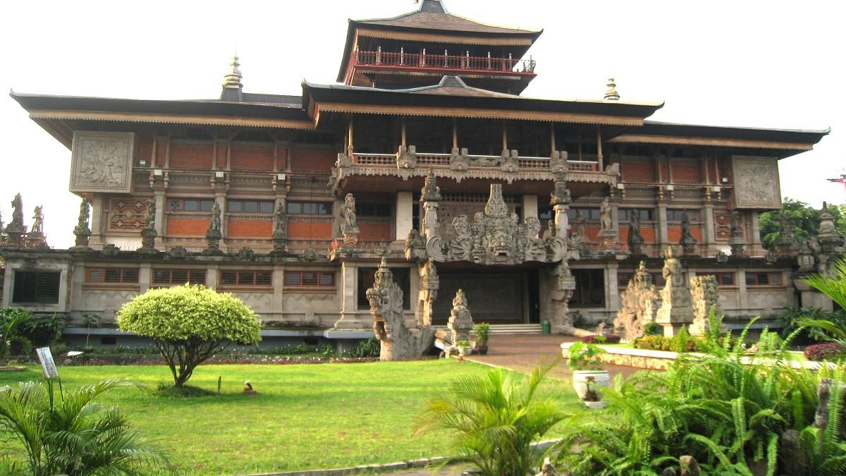 Исторические музеи Индонезии в Джакарте