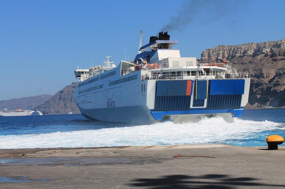 Как добраться на остров Санторини