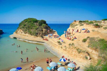 Пляж Canal d'Amour на о. Корфу, Греция