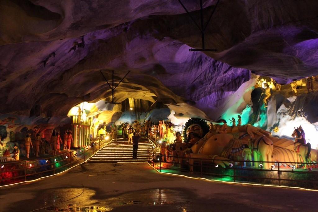 Загадочные малайзийские пещеры Бату
