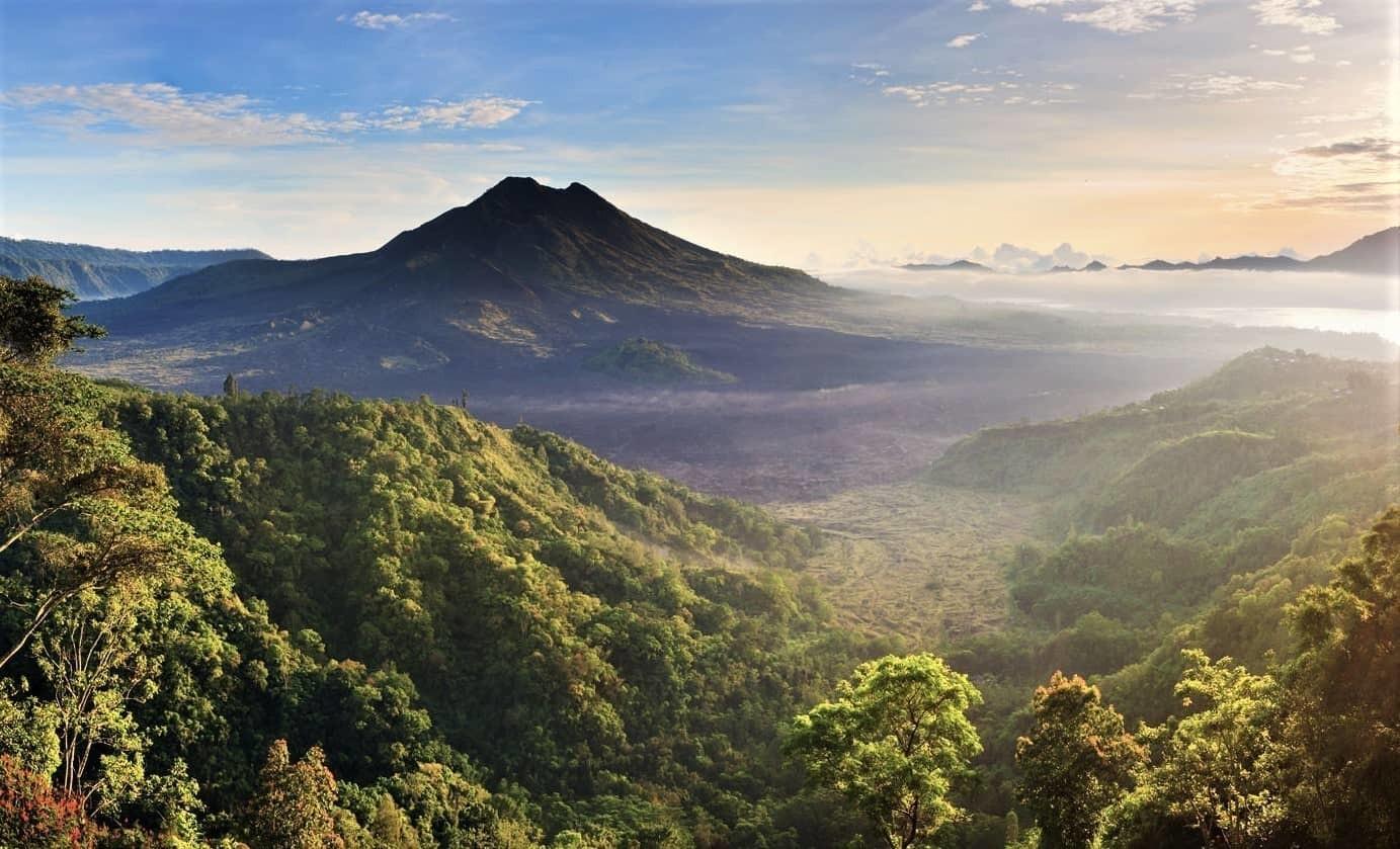 Вулкан Батур на Бали - фото