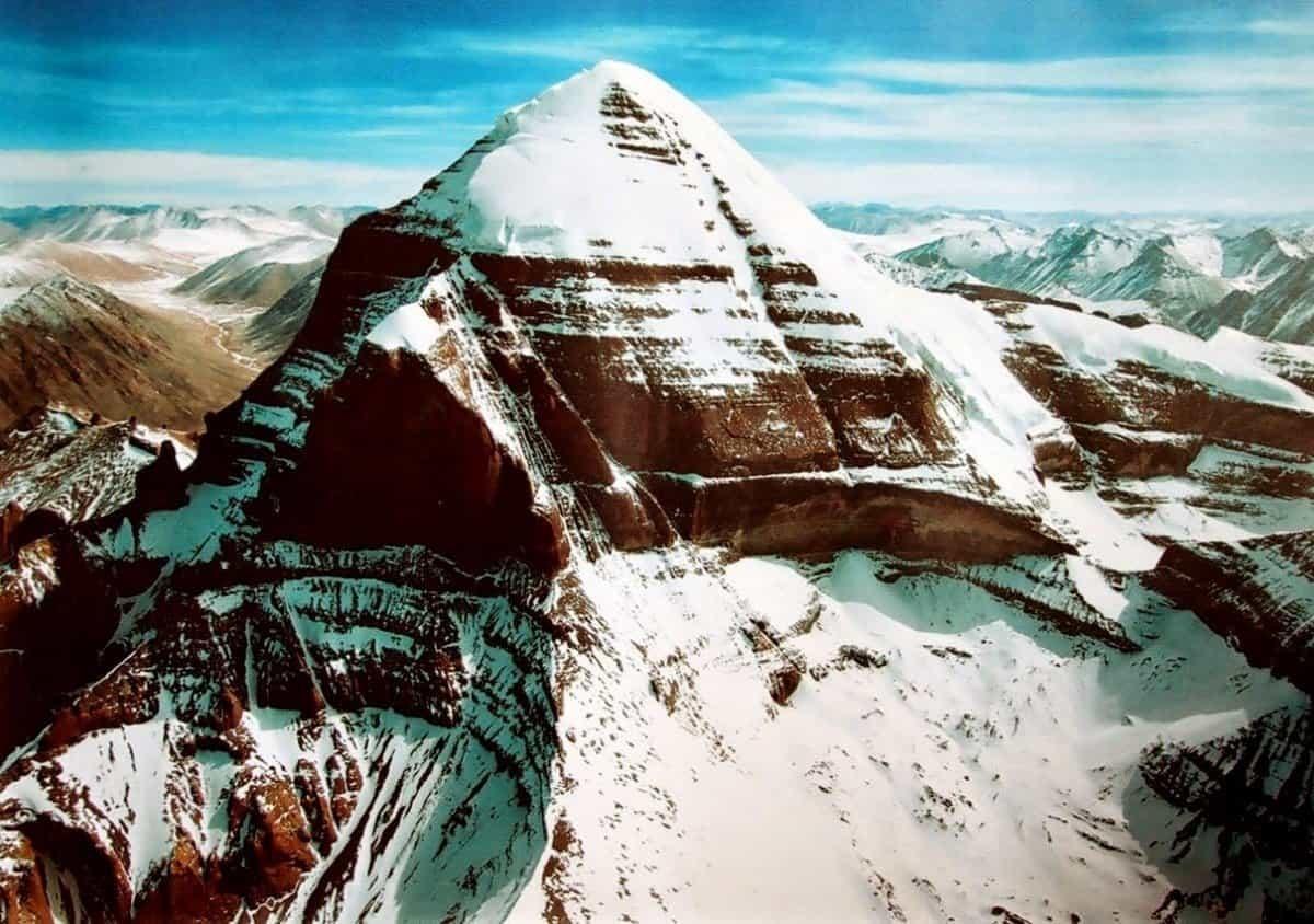 Священная гора Кайлас в КНР
