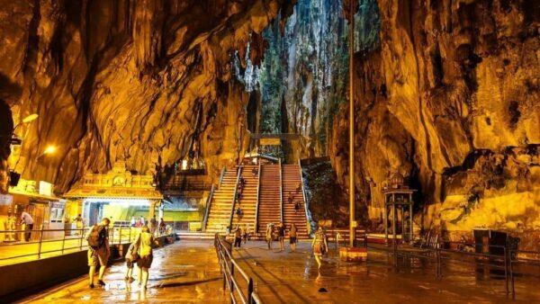 Экскурсии в пещеры Бату Малайзия