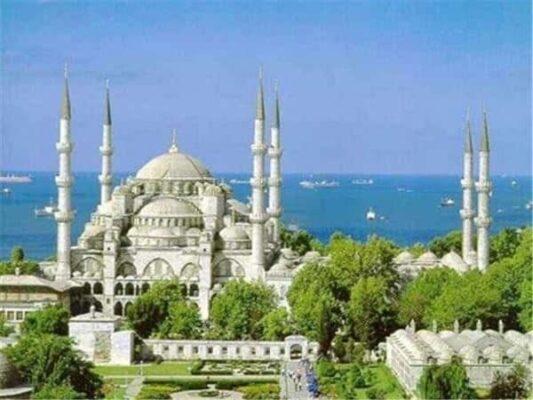 Какие вещи нужно сделать приехав в Стамбул